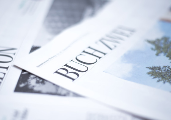 Zeitung, Name der Zeitung beginnt mit Buch...